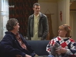 Mick Anderson, Stonie Rebecchi, Angie Rebecchi in Neighbours Episode 2684