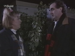 Angie Rebecchi, Mick Anderson in Neighbours Episode 2690