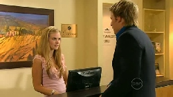 Elle Robinson, Oliver Barnes in Neighbours Episode 5221