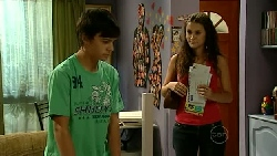 Zeke Kinski, Carmella Cammeniti in Neighbours Episode 5221