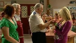 Bree Timmins, Lou Carpenter, Harold Bishop, Louise Carpenter (Lolly), Kerry Mangel (baby), Sky Mangel in Neighbours Episode 5231