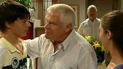 Zeke Kinski, Lou Carpenter, Harold Bishop, Louise Carpenter (Lolly) in Neighbours Episode 5231