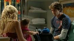Sky Mangel, Kerry Mangel (baby), Caleb Maloney in Neighbours Episode 5236