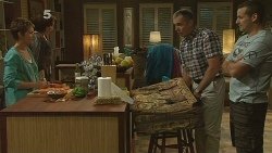 Susan Kennedy, Libby Kennedy, Karl Kennedy, Toadie Rebecchi in Neighbours Episode 6136