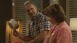 Karl Kennedy, Lyn Scully in Neighbours Episode 6136