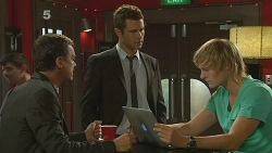Paul Robinson, Mark Brennan, Andrew Robinson in Neighbours Episode 6137