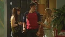 Summer Hoyland, Chris Pappas, Natasha Williams in Neighbours Episode 6138