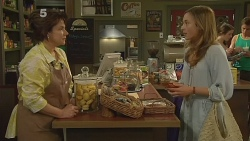 Lyn Scully, Sonya Mitchell in Neighbours Episode 6139