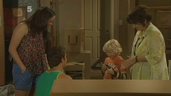 Kate Ramsay, Kyle Canning, Charlie Hoyland, Lyn Scully in Neighbours Episode 6139