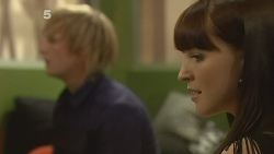 Andrew Robinson, Summer Hoyland in Neighbours Episode 6141