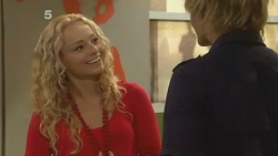 Emily Martin, Andrew Robinson in Neighbours Episode 6141