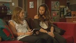 Sonya Mitchell, Jade Mitchell in Neighbours Episode 6143