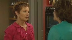 Susan Kennedy, Lyn Scully in Neighbours Episode 6144