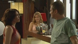 Libby Kennedy, Natasha Williams, Michael Williams in Neighbours Episode 6145