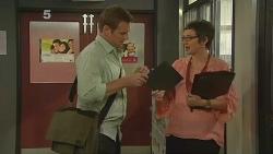Michael Williams, Nicole Menkin in Neighbours Episode 6146