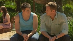 Chris Pappas, Michael Williams in Neighbours Episode 6146