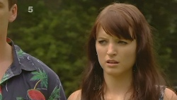 Chris Pappas, Summer Hoyland in Neighbours Episode 6147