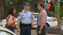 Customer, Constable Wes Holland, Kyle Canning in Neighbours Episode 6149