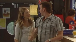 Sonya Mitchell, Lucas Fitzgerald in Neighbours Episode 6149