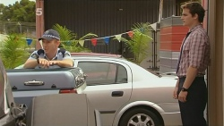 Constable Wes Holland, Kyle Canning in Neighbours Episode 6149