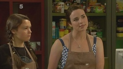 Sophie Ramsay, Kate Ramsay in Neighbours Episode 6150