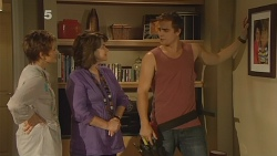 Susan Kennedy, Lyn Scully, Kyle Canning in Neighbours Episode 6150