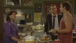 Lyn Scully, Mark Brennan, Kyle Canning in Neighbours Episode 6150