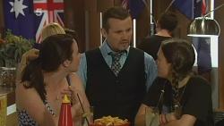 Kate Ramsay, Toadie Rebecchi, Sophie Ramsay in Neighbours Episode 6150