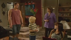 Kyle Canning, Charlie Hoyland, Lyn Scully, Summer Hoyland in Neighbours Episode 6151