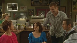 Susan Kennedy, Libby Kennedy, Michael Williams, Toadie Rebecchi in Neighbours Episode 6154