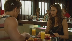 Kyle Canning, Jade Mitchell in Neighbours Episode 6156