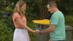 Sonya Mitchell, Toadie Rebecchi in Neighbours Episode 6156