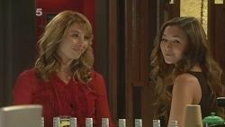 Lexi Wilson, Jade Mitchell in Neighbours Episode 6156