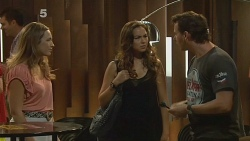 Sonya Mitchell, Jade Mitchell, Lucas Fitzgerald in Neighbours Episode 6157