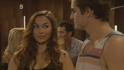 Jade Mitchell, Kyle Canning in Neighbours Episode 6157