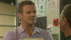 Michael Williams, Paul Robinson in Neighbours Episode 6158