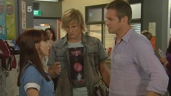 Summer Hoyland, Libby Kennedy, Andrew Robinson, Michael Williams in Neighbours Episode 6158
