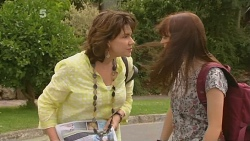 Lyn Scully, Summer Hoyland in Neighbours Episode 6159