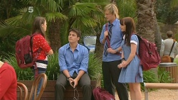 Sophie Ramsay, Chris Pappas, Andrew Robinson, Summer Hoyland in Neighbours Episode 6159