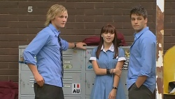 Andrew Robinson, Summer Hoyland, Chris Pappas in Neighbours Episode 6159