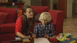 Sophie Ramsay, Charlie Hoyland in Neighbours Episode 6159