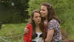 Sophie Ramsay, Kate Ramsay in Neighbours Episode 6160