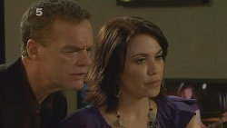 Paul Robinson, Libby Kennedy in Neighbours Episode 6160