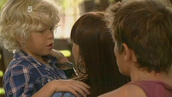Charlie Hoyland, Summer Hoyland, Kyle Canning in Neighbours Episode 6160