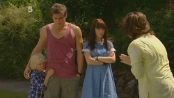 Charlie Hoyland, Kyle Canning, Summer Hoyland, Lyn Scully in Neighbours Episode 6160