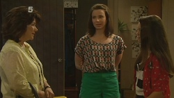 Lyn Scully, Kate Ramsay, Sophie Ramsay in Neighbours Episode 6160