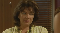 Lyn Scully in Neighbours Episode 6160