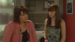 Lyn Scully, Summer Hoyland in Neighbours Episode 6161