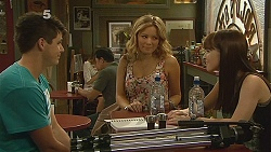 Chris Pappas, Natasha Williams, Summer Hoyland in Neighbours Episode 6161