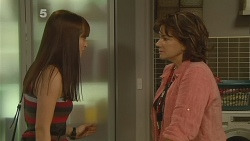 Summer Hoyland, Lyn Scully in Neighbours Episode 6162